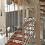 鉄骨階段はなぜ高くなるの?